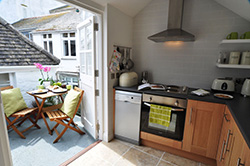 The Loft St Ives - Kitchen and Terrace